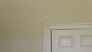 interior-dry-wall-cracks-issues