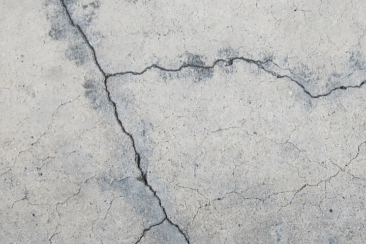 cracks in concrete slabs