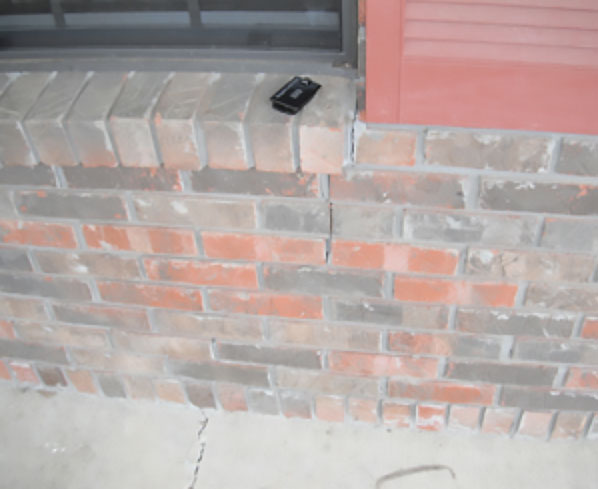 Foundation-Settlement-Crack-in-Siding-Burmingham-Cullman-Huntzville